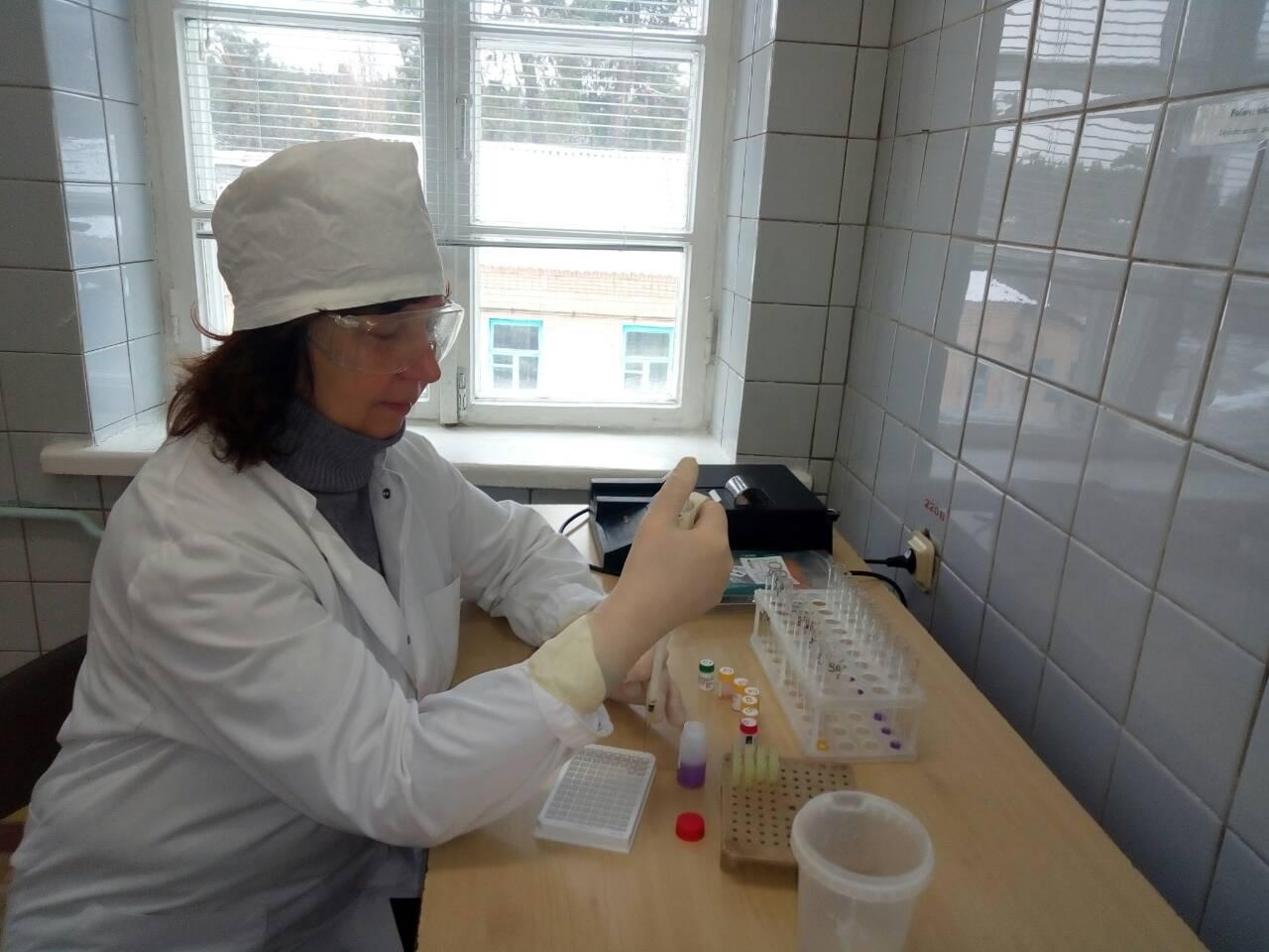 Лахненко Оксана Юріївна лікар-лаборант в.кв.кат.т
